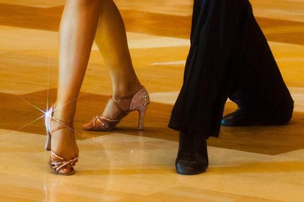 ballroom-dance-feet