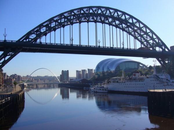 bridges-of-the-tyne-2-1225377-640x480